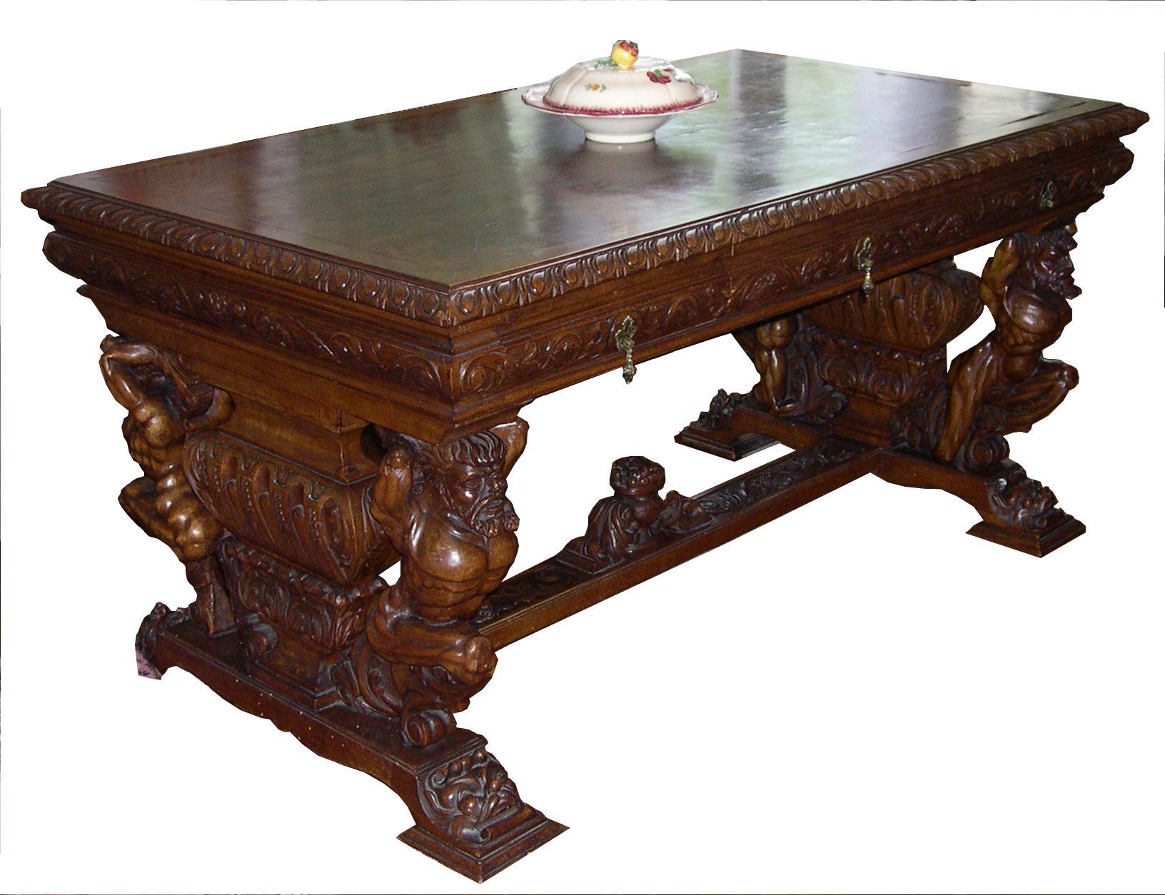 Ensemble de meubles sculptés style rennaissance espagnole